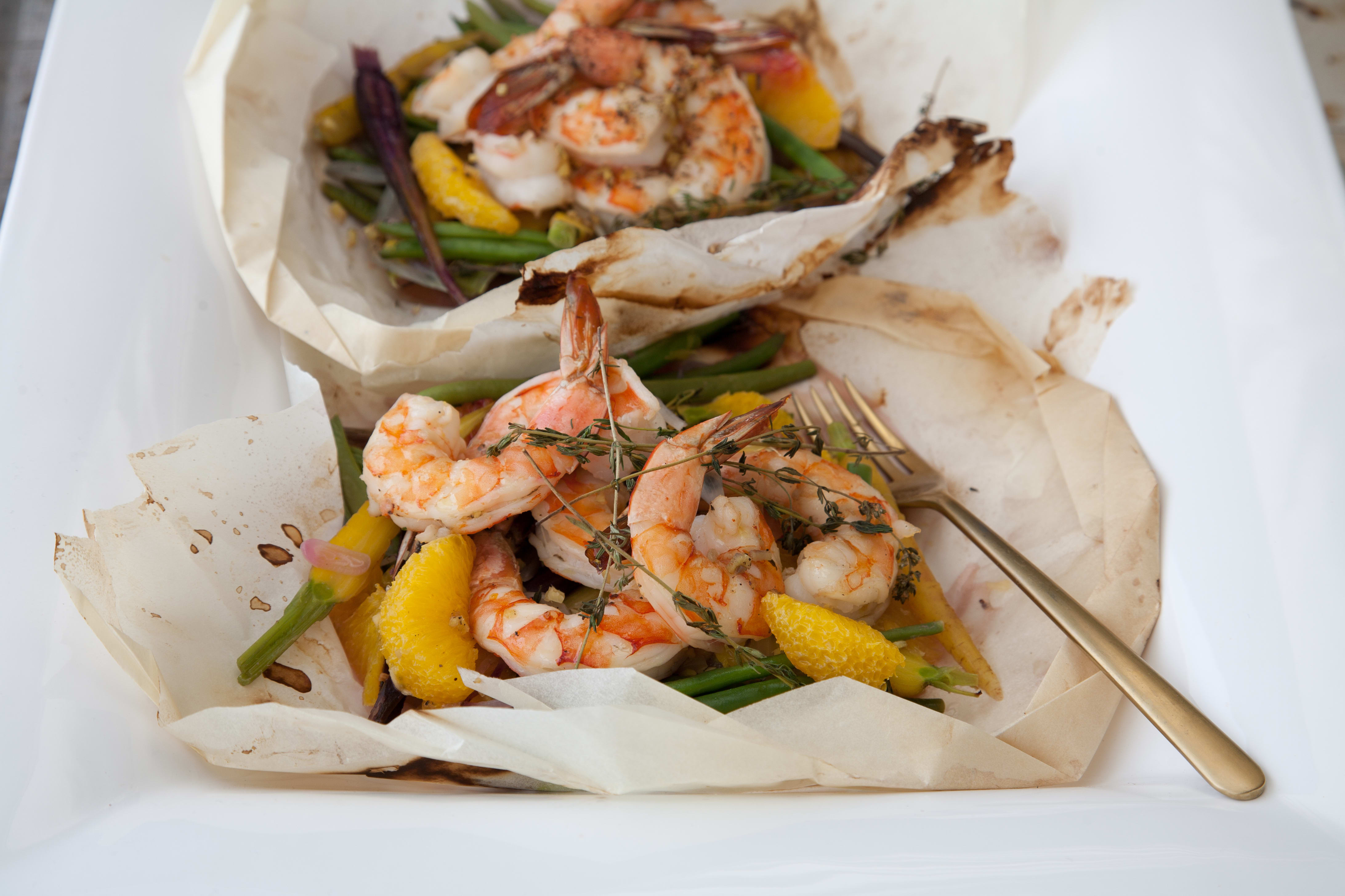 Photo of Shrimp en papillote with white wine and orange by Chef Curtis Stone by WW