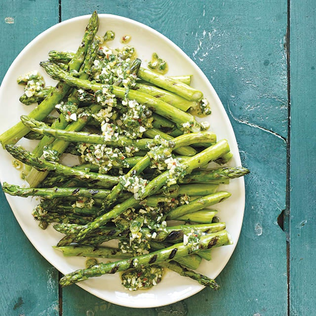 Photo of Grilled asparagus with mimosa dressing by WW