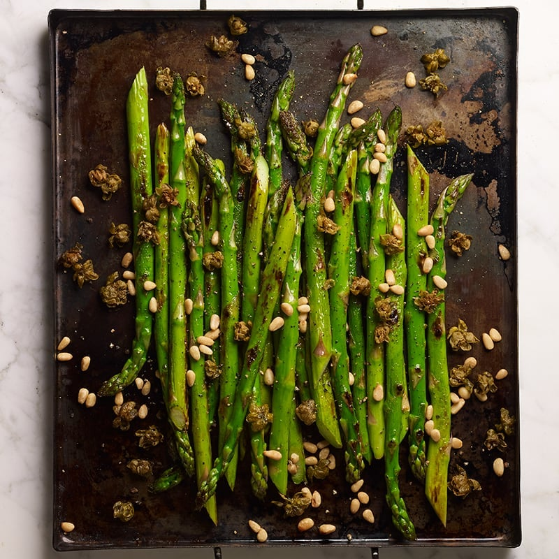 Photo of Pan-roasted asparagus with fried capers by WW