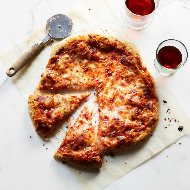 Photo of 6-ingredient tomato-cheese pizza by WW