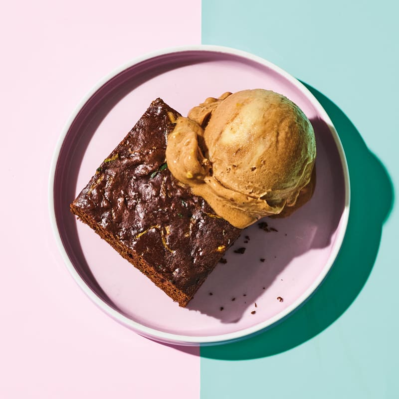 "Photo of Brownies à la mode with peanut & chocolate ""nice"" cream by WW"