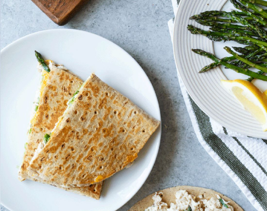 Photo of Grilled tuna melt with asparagus by WW