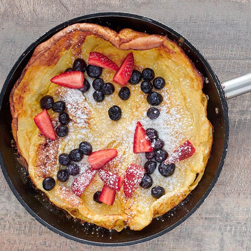 Photo of German pancake with fresh berries by WW
