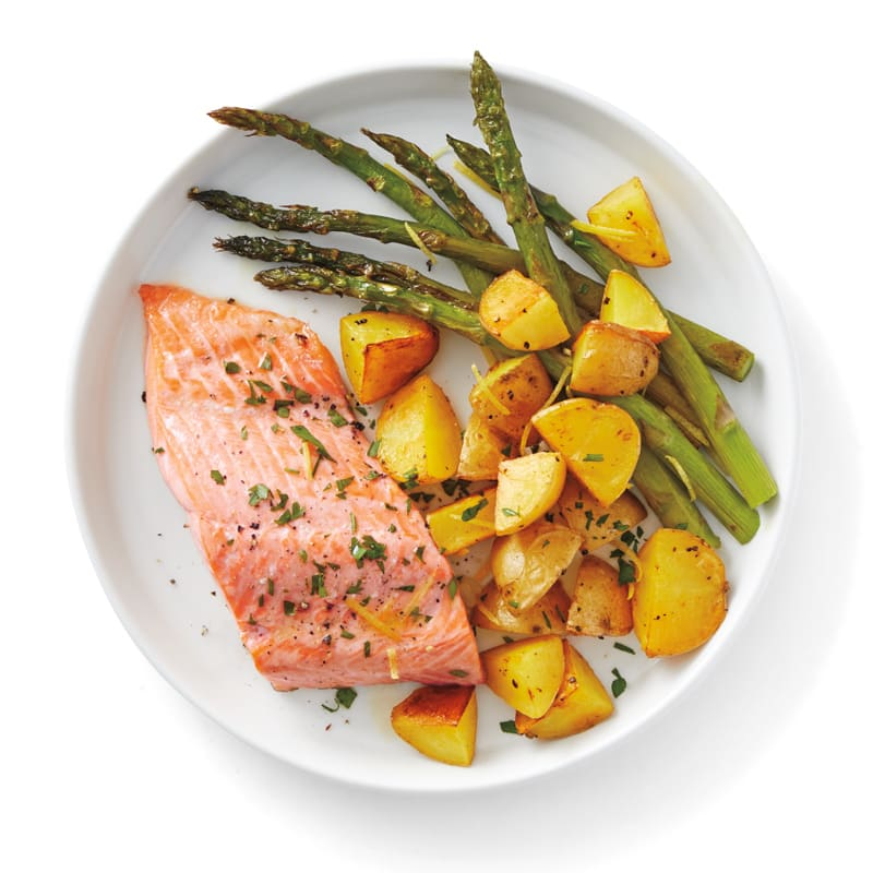 Photo of Roasted salmon with asparagus & potatoes by WW