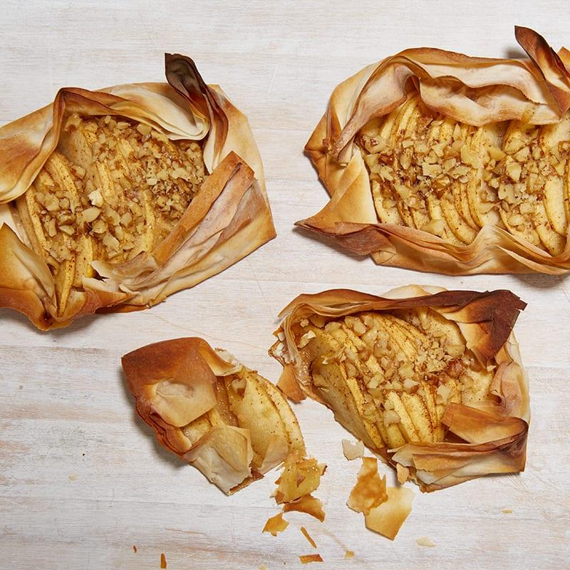 Photo of Mini apple pie tarts by WW