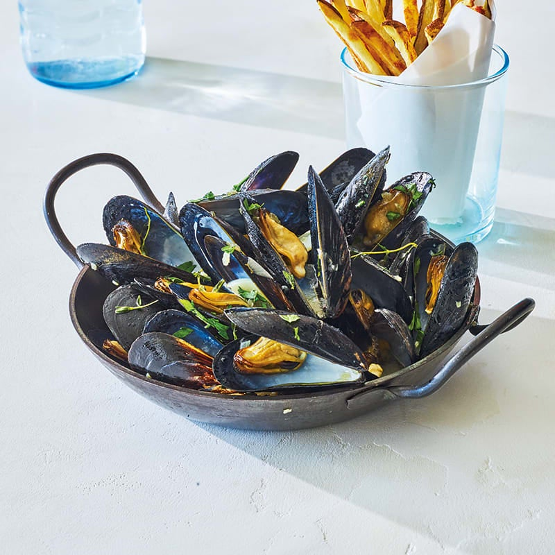 Photo of Moules-frites (steamed mussels with oven fries) by WW