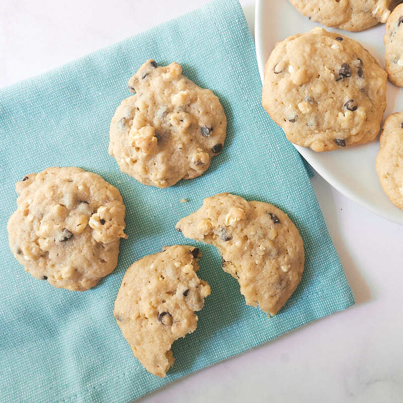 Photo of Popcorn chocolate-chip cookies by WW