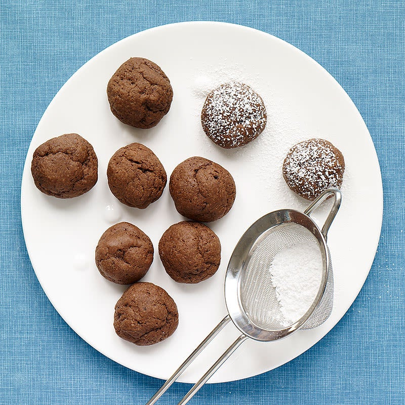 Photo of Chocolate-fudge cookie bites by WW