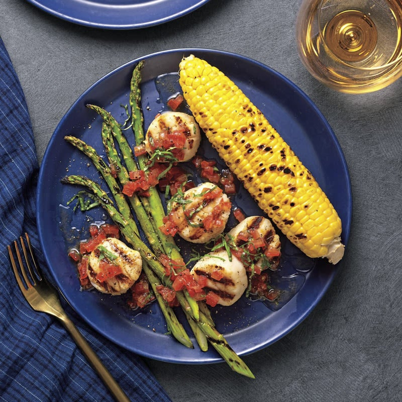 Photo of Grilled scallops with corn and asparagus by WW