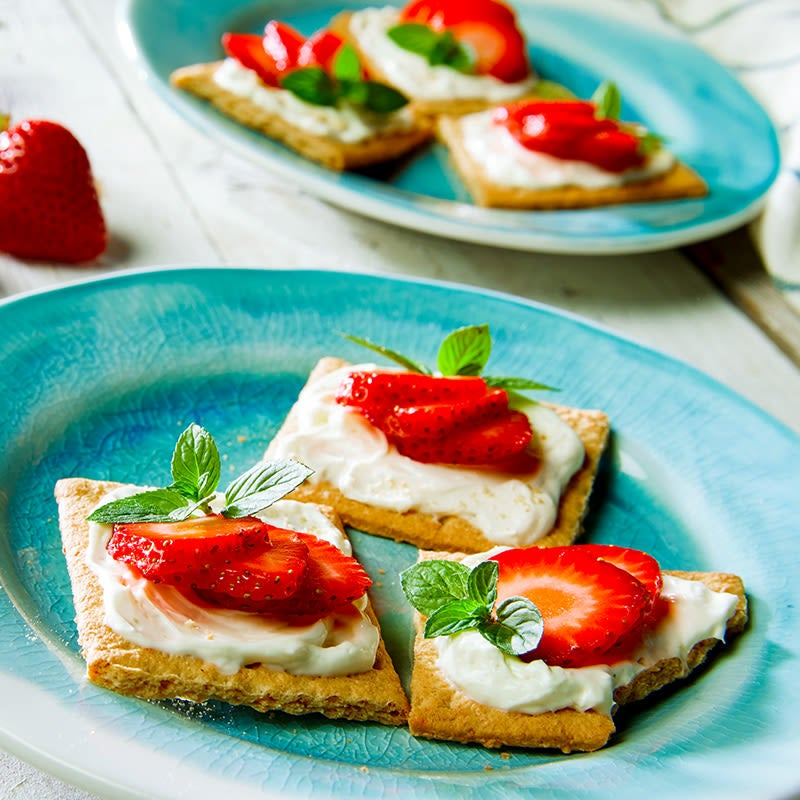 Photo of Strawberries and cream graham cookies by WW