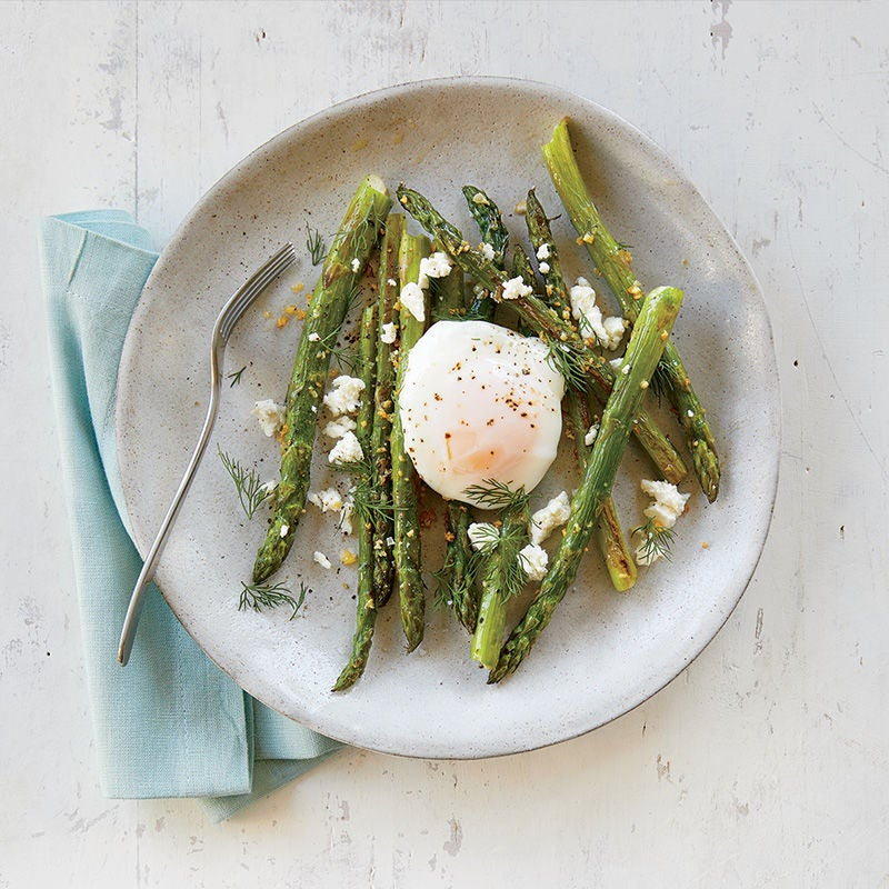 Photo of Roasted asparagus with poached eggs and goat cheese by WW