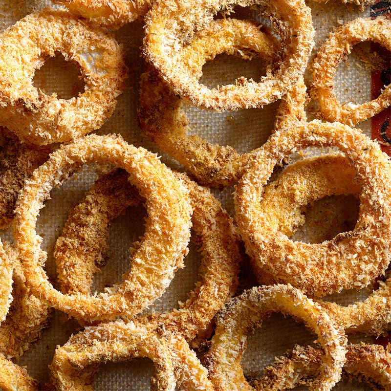 Photo of Southern-Style Onion Rings with Chili-Garlic Dipping Sauce by WW