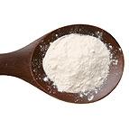 cake flour on spoon